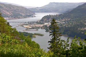 [hood_river_from_cook_underwood_road_2006-e1552690075564-300x200]